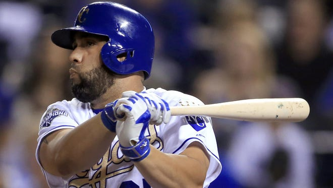Kansas City Royals designated hitter Kendrys Morales watches his RBI single in the sixth inning against the Chicago White Sox on Friday.