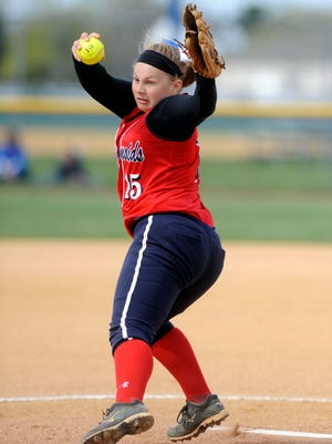 Washington Township pitcher Shannon Gasparovic delivers a pitch in the first inning of Sunday's Hammonton tournament championship game.