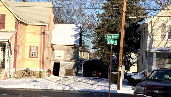 A $2 million state grant will help the Town of Southport bring sewer service to hundreds more residents, including those along portions of Broadway and Cedar streets.