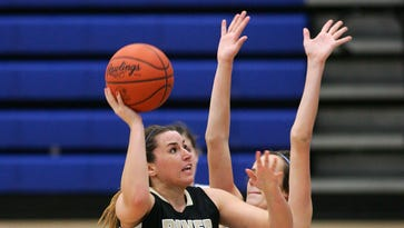River View senior Katie Lahna drives to the basket Wednesday evening during the Black Bears' 38-33 loss to Cambridge.
