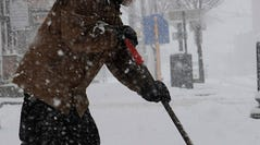Winter storm roars from South to East Coast
