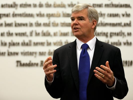 0808 NCAA Mark Emmert H or V