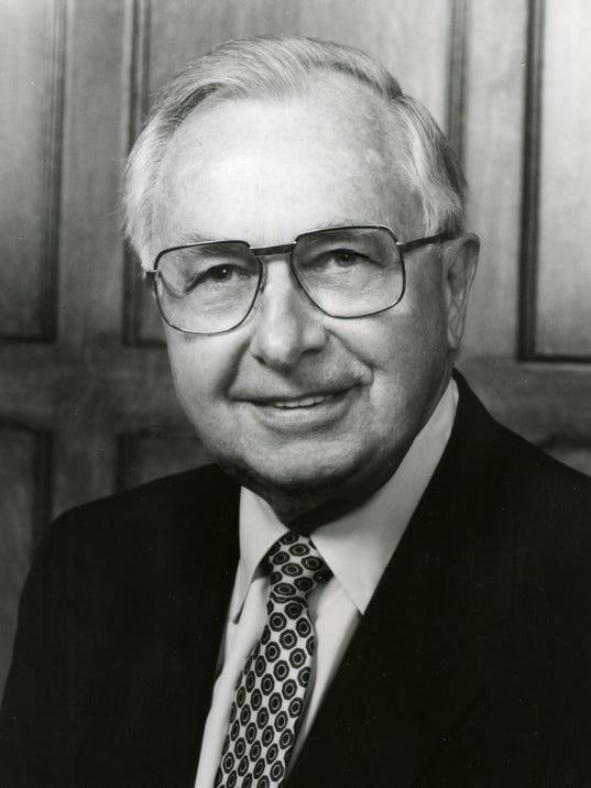 William G. Kuhns obit