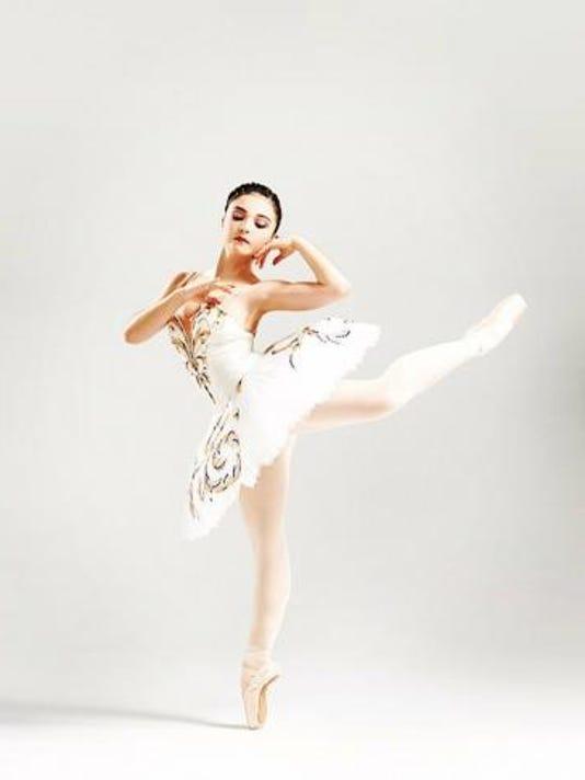 Roxey-Ballet-solo