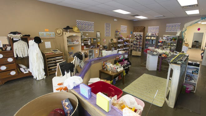 Who Gives a SCRAP is a recently opened creative reuse shop. The shop is donation-based and accepts art supplies, old jewelry, metal, wood and more that can be used in crafting and other pursuits.