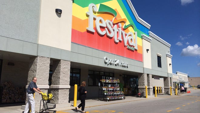 Festival Foods' familiar rainbow facade will arrive in Menasha in June 2016.