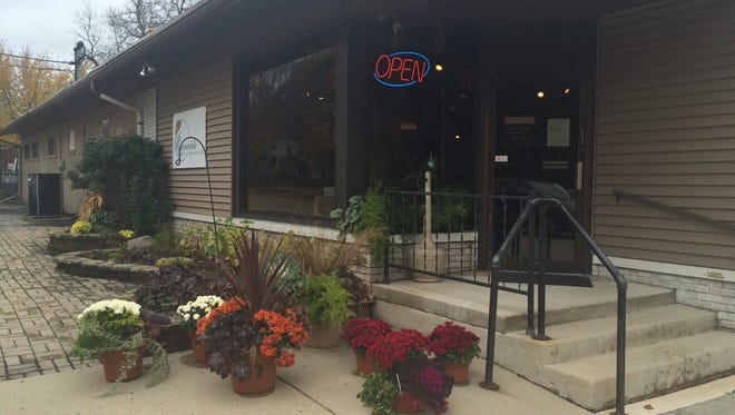 Riverside Florist & Greenhouses in Appleton will move and merge with its sister business, Reynebeau Floral in Little Chute.