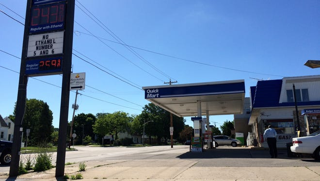 Badger Avenue Gas will close in Appleton in the coming weeks.