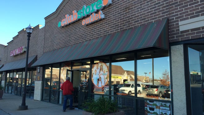 Clubstore Outlet opened in Neenah on Tuesday.