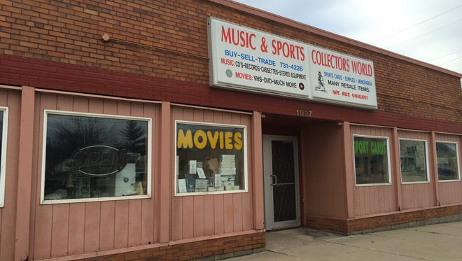Music & Sports Collectors World will reopen on W. Wisconsin Ave. this spring, its owner says.