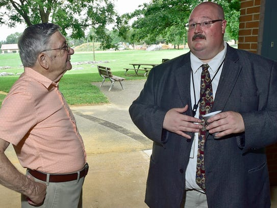 Ron Sugden, left, former Franklin County Chief of Probation,