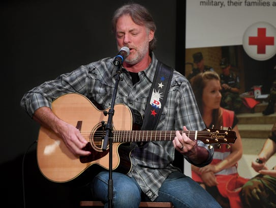 Country Music recording artist Darryl Worley gives