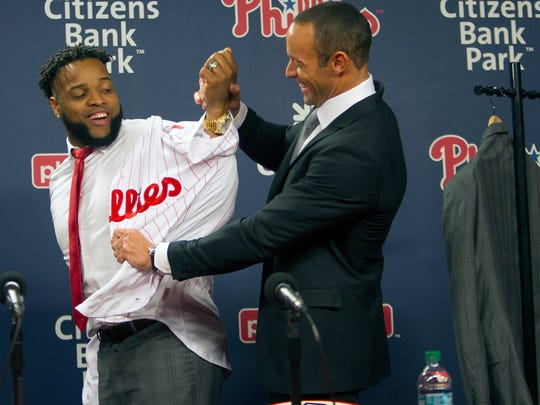 Carlos Santana signed with the Phillies.