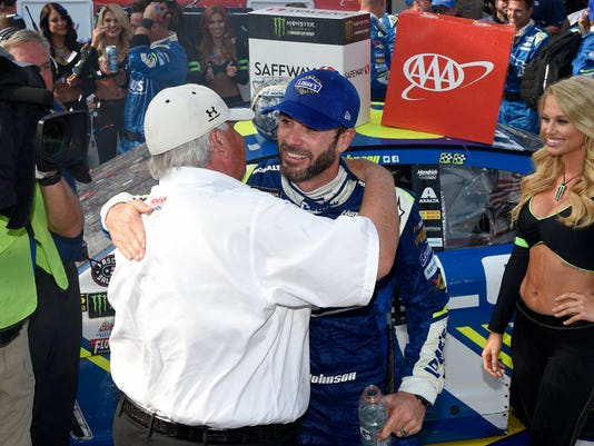 17f40f3a4 Johnson extends track record with 11th win at Dover