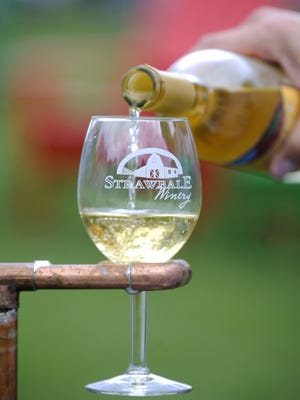 Strawbale Winery is hosting their Folk Off and Rib Challenge this weekend.