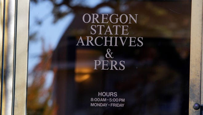 Oregon State Archives and PERS Public Employees' Retirement System State Building.