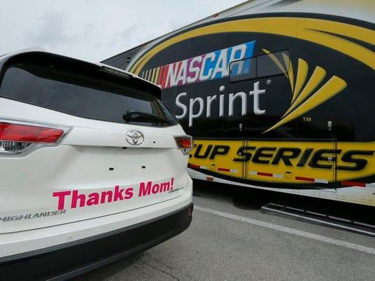 -MORBrd_05-09-2014_Daily_1_B005~~2014~05~08~IMG_NASCAR_Kansas_Auto_R_2_1_UO7.jpg