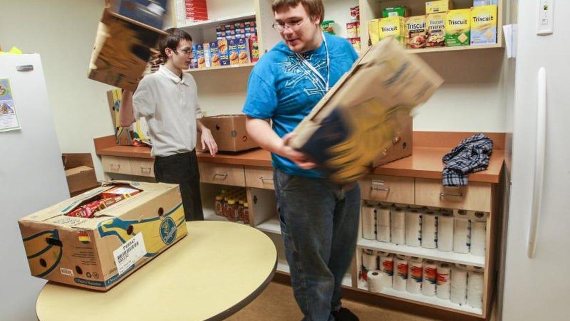 Indianapolis Food Pantry Volunteer