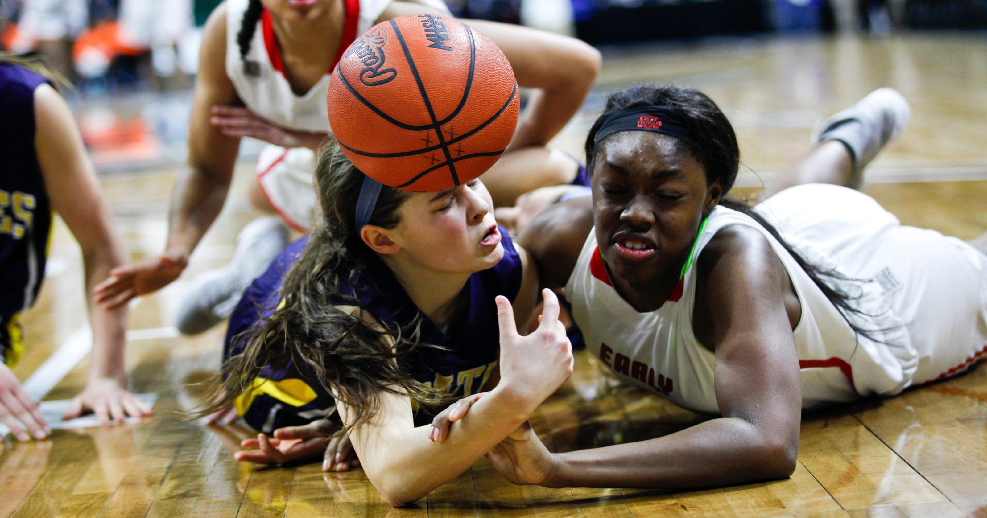 girl-college-basketball-player-naked