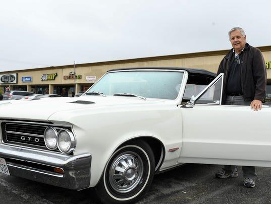 XXX JUST COOL CARS 1966 BRONCO 292.JPG USA CA