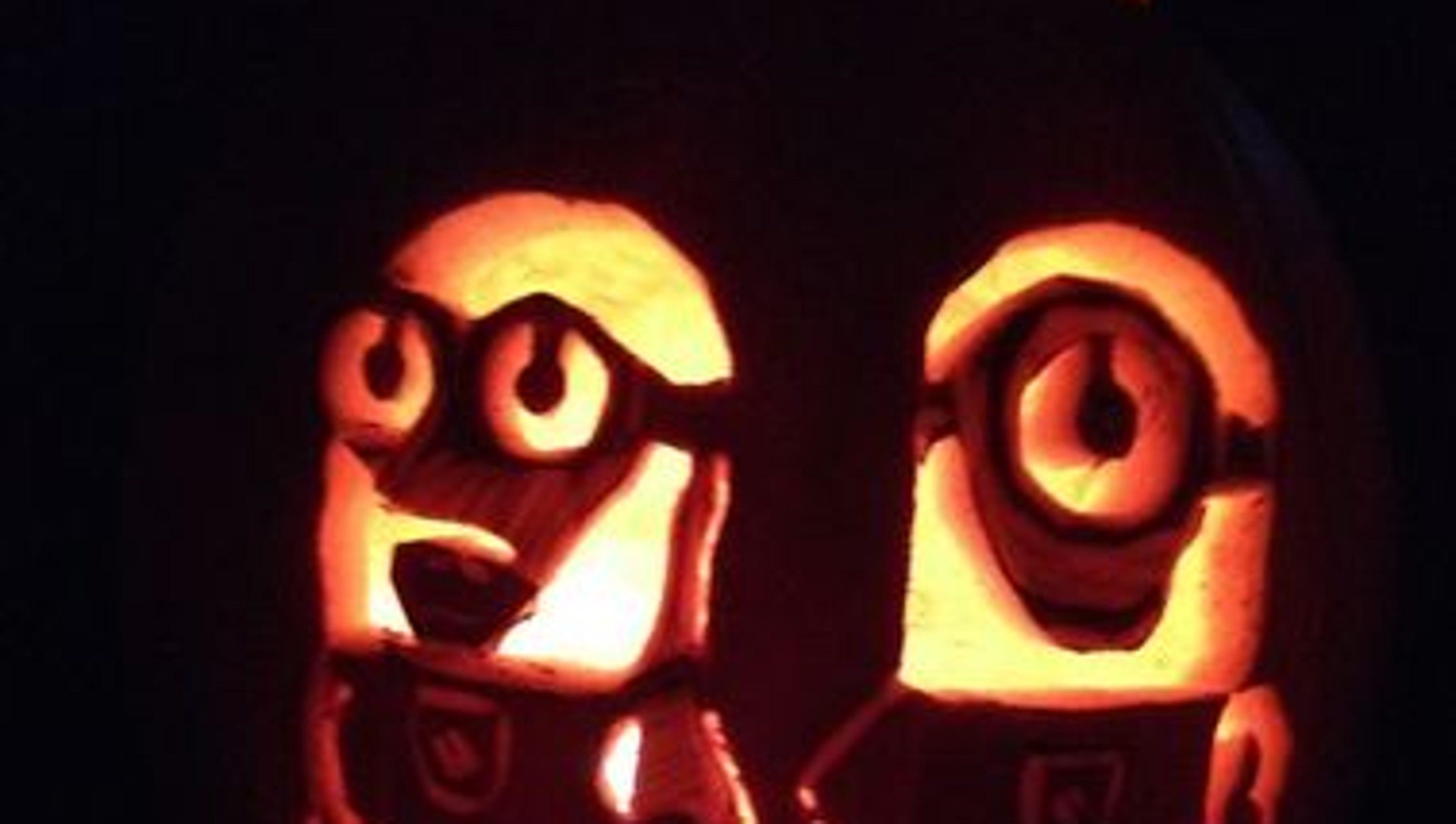 Vote best pumpkin carvings