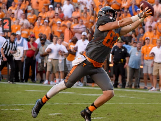 Tennessee tight end Ethan Wolf catches a pass for a