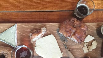 Cheese, beer and donut tasting from the Rhined cheese shop