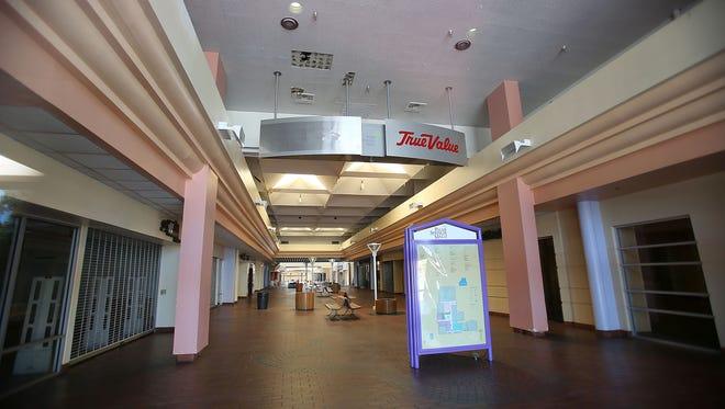 The Palm Springs Mall sits vacant on Friday, September 19, 2014