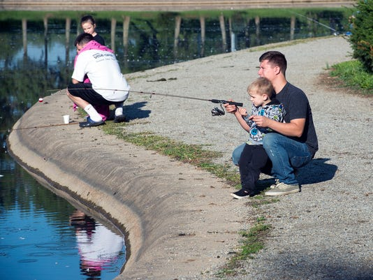 1-YDR-PMK-090417-FISHING