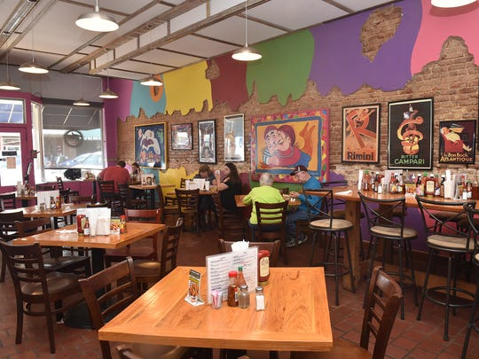Tom's on Main serves Southern plate lunches and 40