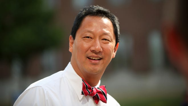 University of Cincinnati President Santa Ono recently told a group of  students that he'd  like to see the city's streetcar expanded to Uptown.
