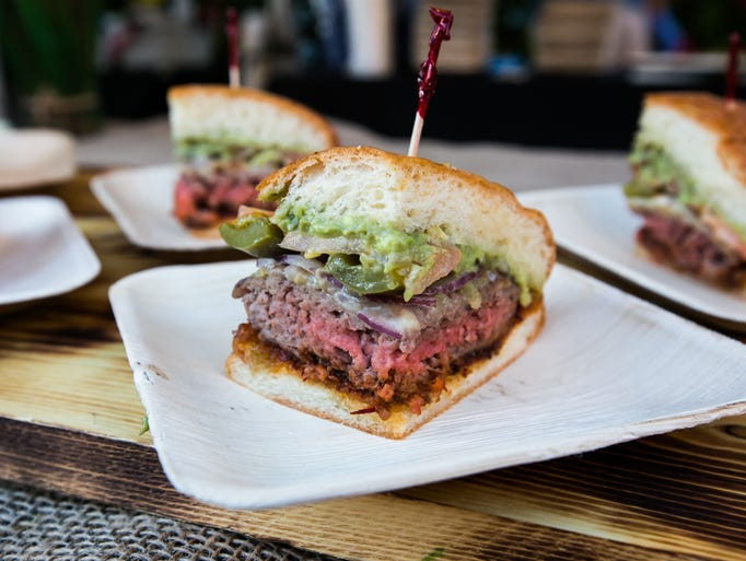 3/23: Burger Battle |  Who makes the best burger in