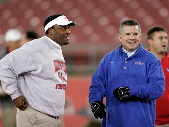 Kevin Sumlin, then coach of Houston, and Todd Graham,