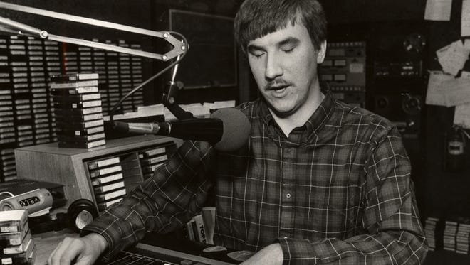Radio talk show Joe Elliott in this 1985 file photo.