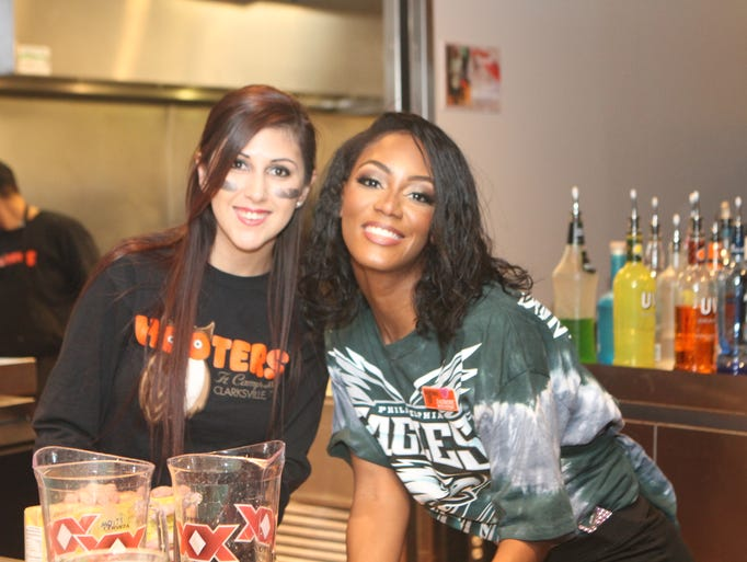 Hooters had a packed house Sunday for Super Bowl LII.