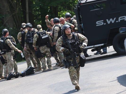636681339511048775-SWAT.jpg