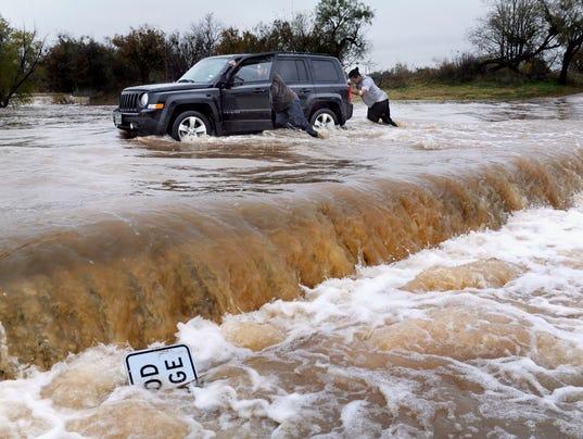 AP APTOPIX SEVERE WEATHER A WEA USA TX