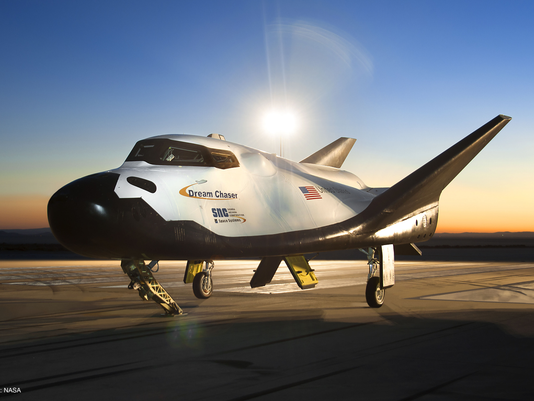 635560563116613780-SNCs-Dream-Chaser-on-Runway-at-NASAs-Dryden-Flight-Research-Center-at-Dawn-Profile