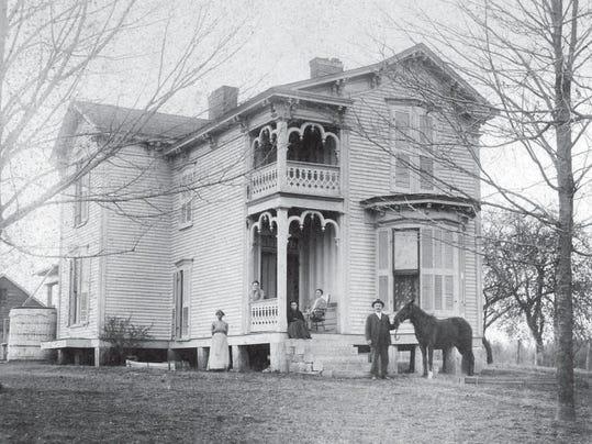 mccord house eagleville 1900.png