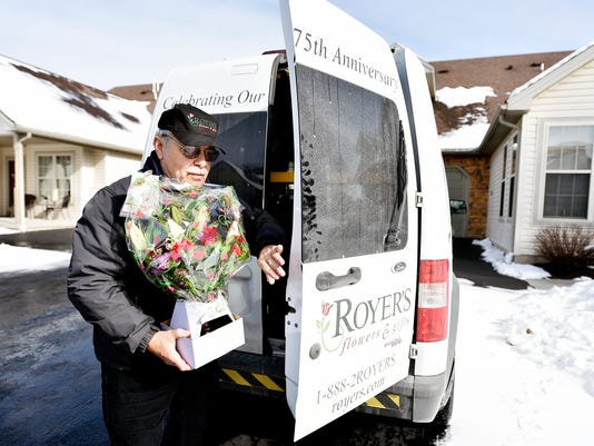 YDR-CD-021216-flower-delivery