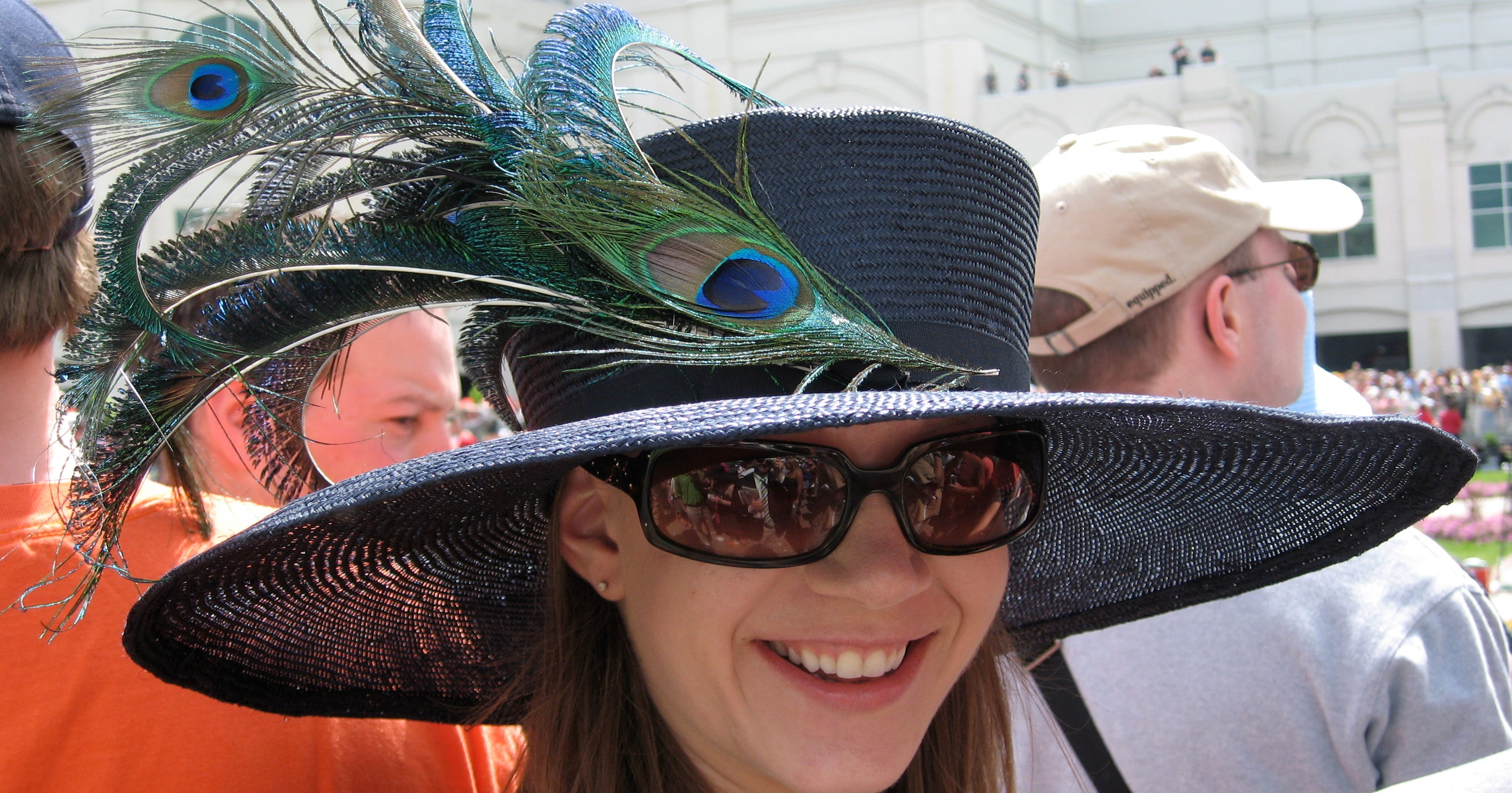 e33f2009d437a Kentucky Derby keeps hat-wearing brave and vibrant