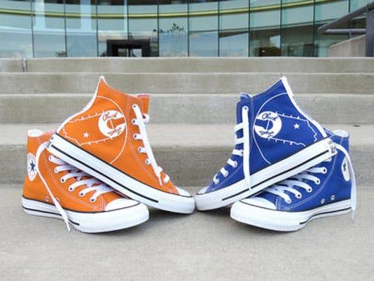 635500145382230008-converse-shoes