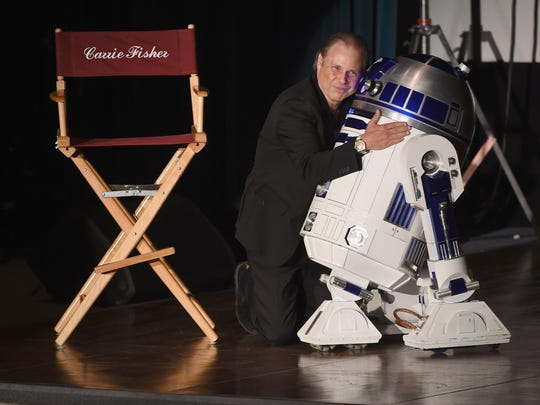 Todd Fisher and R2-D2  at Debbie Reynolds and Carrie