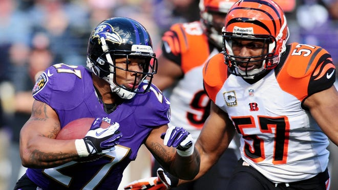 Linebacker Vinny Rey signed a two-year deal with the Bengals on Saturday.