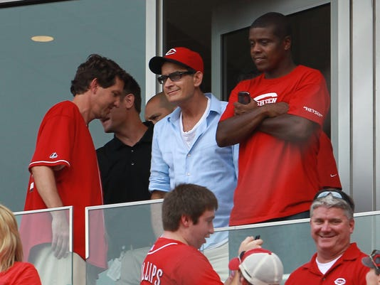Charlie Sheen at Reds game 8.4.12.jpg