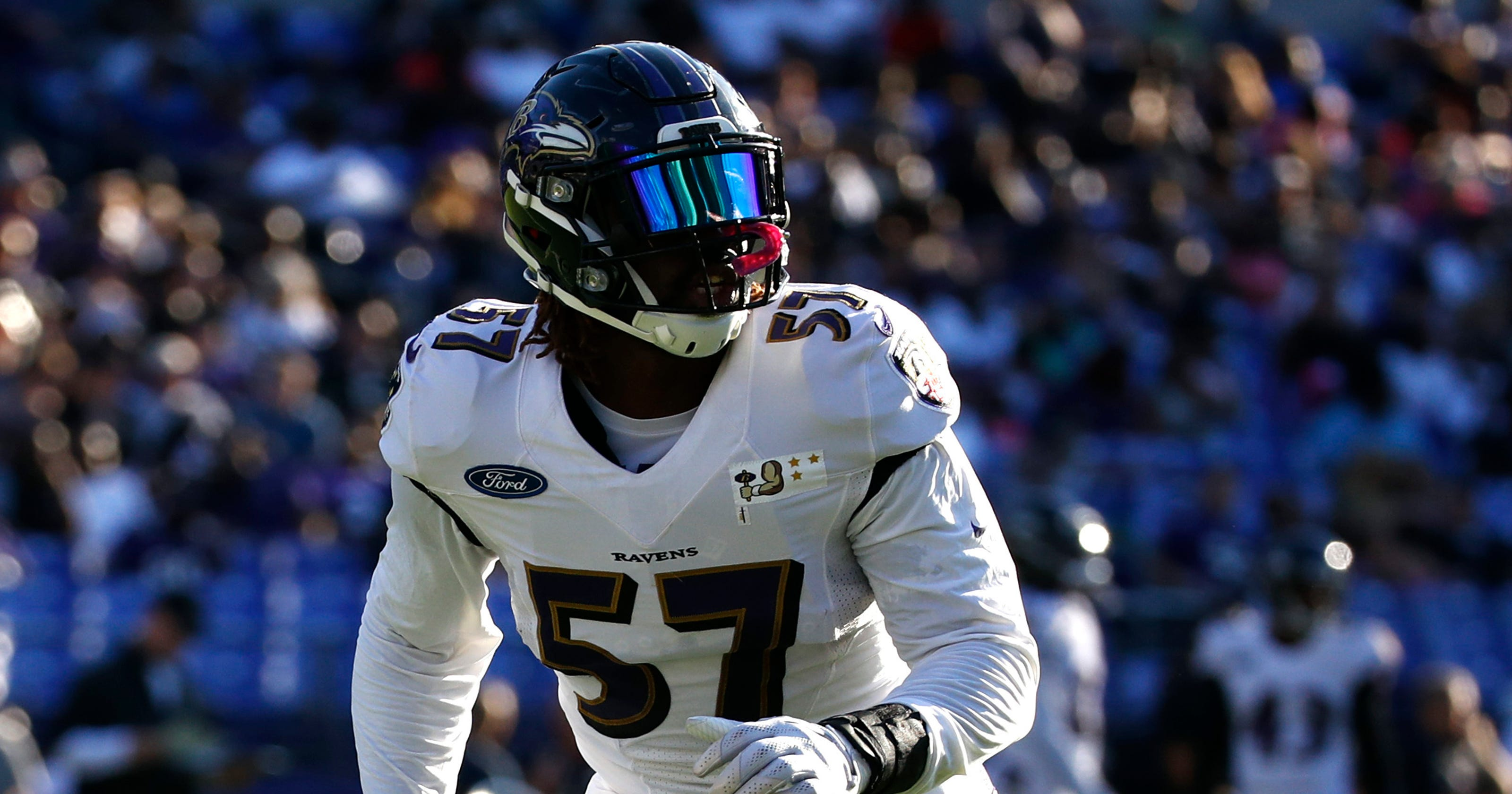 C.J. Mosley  Baltimore Ravens linebacker carted off with knee injury e0d1637885b1