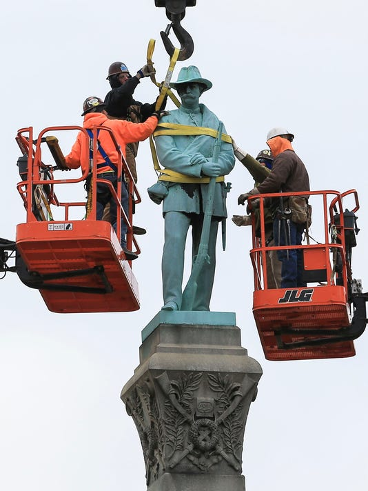 ConfederateMonumentRemoved-13.jpg