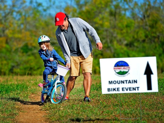 Bells Bend Park features 5 miles of mountain bike trails.