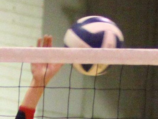 636459306880480084-volleyball2.jpg