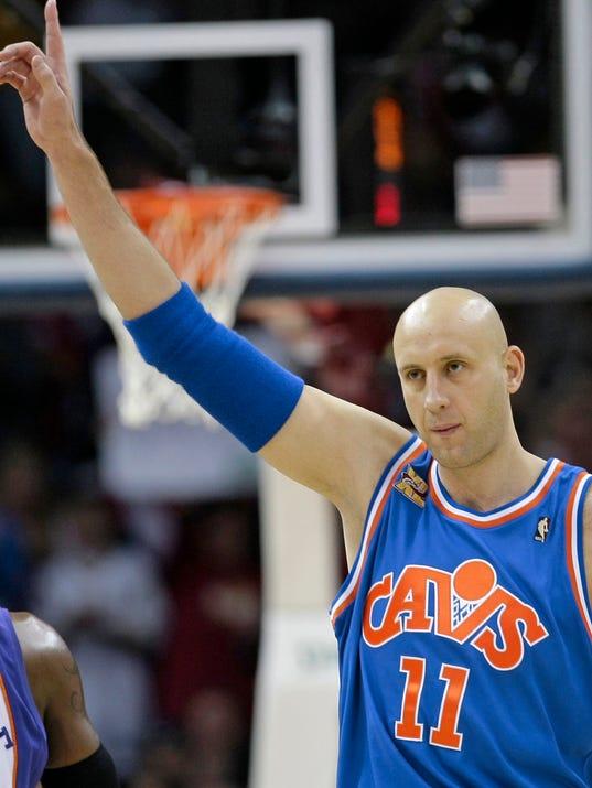 AP Cavaliers Ilgauskas Ceremony Basketball